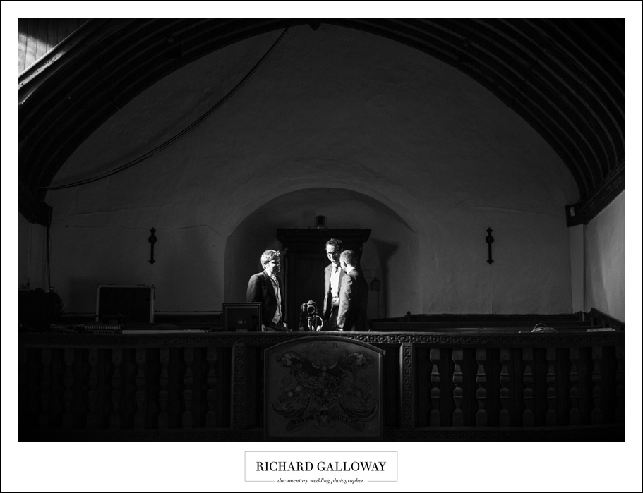 Richard Galloway in Berkshire Hampshire Wedding Photography 005