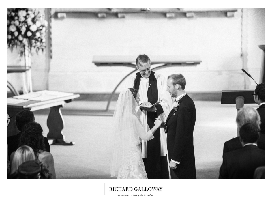 Richard Galloway in Berkshire Hampshire Wedding Photography 024