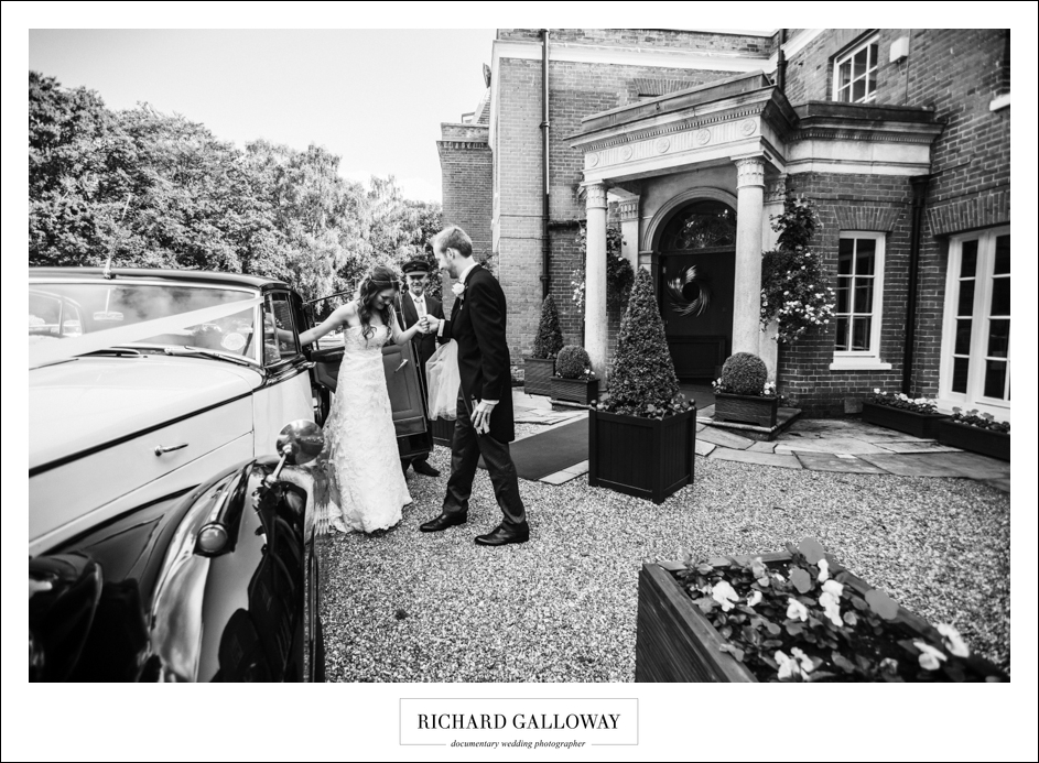 Richard Galloway in Berkshire Hampshire Wedding Photography 050
