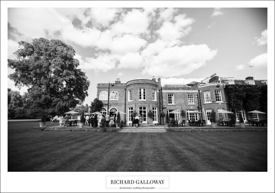 Richard Galloway in Berkshire Hampshire Wedding Photography 058