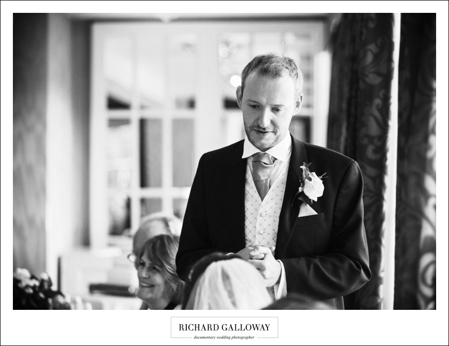 Richard Galloway in Berkshire Hampshire Wedding Photography 093