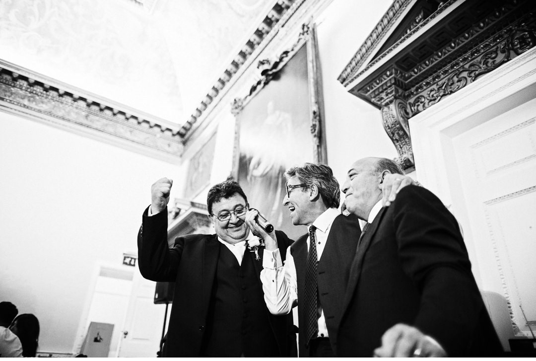Italian singing at a Stowe House Wedding