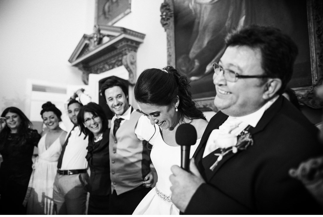 Singing and dancing Italian style at Stowe House wedding