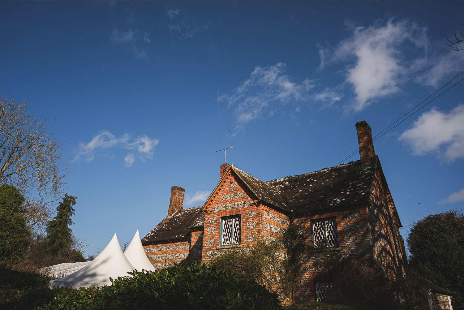 image of a cottage in dorset